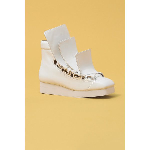 Vivienne Westwood Worlds End @ OC Three Tongue Trainers (16,760 THB) ❤ liked on Polyvore featuring shoes, sneakers, white, 80s sneakers, 80s shoes, 80s punk fashion, platform sneakers and punk shoes