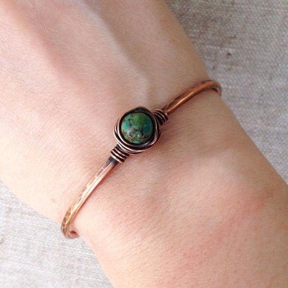 Turchese & braccialetto a filo avvolto di di Karismabykarajewelry