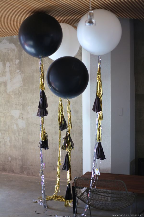 black & white geranimo balloons at the sweet & spark photoshoot