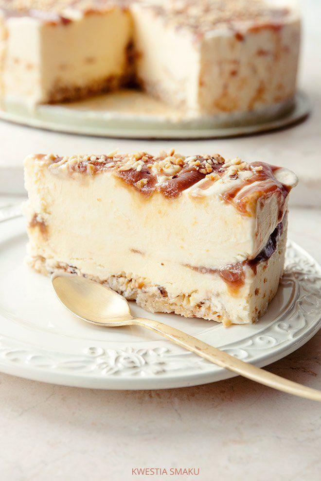 Yoghurt and ice cream cake caramel