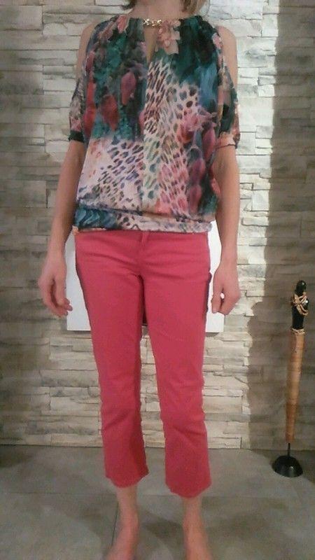 Tshirt fleuri et pantalon jeans rose Jeans 36 Tshirt xs