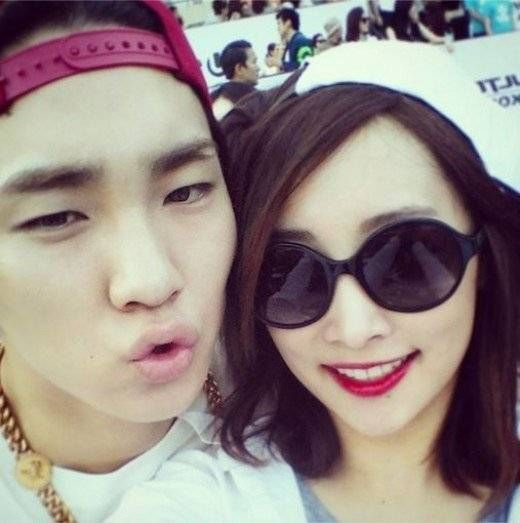Former KARA member Nicole enjoys the Ultra Music Festival with SHINee's Key | http://www.allkpop.com/article/2014/06/former-kara-member-nicole-enjoys-the-ultra-music-festival-with-shinees-key