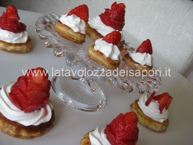 Tartine alla Fragola  http://www.latavolozzadeisapori.it/ricette/tartine-alla-fragola