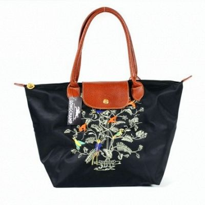 Sac Longchamp Pliage Arbre De Vie Noir hunting for limited offer,no duty and free shipping.#handbags #design #totebag #fashionbag #shoppingbag #womenbag #womensfashion #luxurydesign #luxurybag #luxurylifestyle #handbagsale #longchamp #totebag #shoppingbag