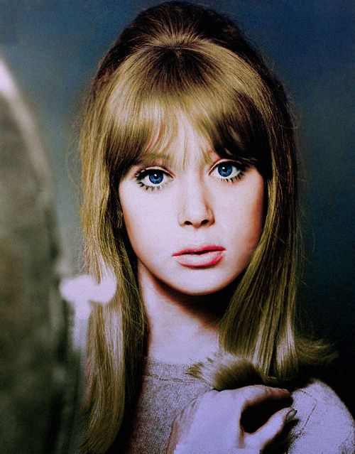 I wish George Harrison and Eric Clapton wrote songs about me.. What an iconic beauty, Pattie Boyd