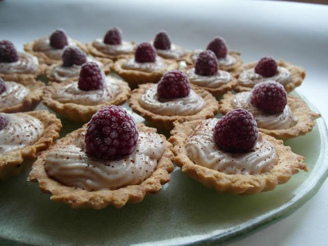 Babeczki z chałwą - Cupcakes with halva   Tapas de Colores