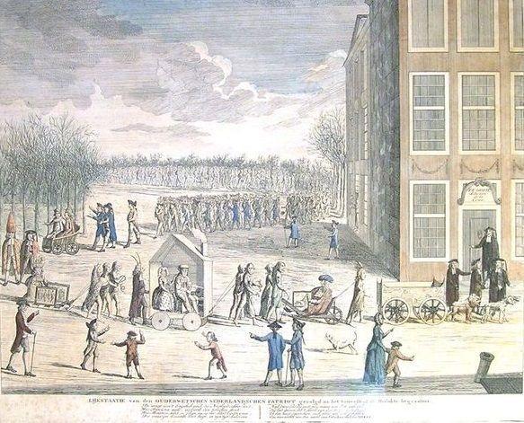 Anonieme maker - 'Lijkstaatie van den ouderwetschen Nederlandschen patriot gevolgd na het toneelstuk de Mislukte begraafnis' -op het verschijningsverbod van de 's Gravenhaegsche Courant -1781  LIJKSTAATIE van den OUDERWETSCHEN NEDERLANDSCHEN PATRIOT gevolgd na het toneelstuk de Mislukte begraafnis. Spotprent op de opheffing en het kort daarna weder verschijnen van de Oranjegezinde 's-Gravenhaegsche Courant in 1781. Deze werd uitgegeven door de Oranjegezinde boekhandelaar en drukker P. F…