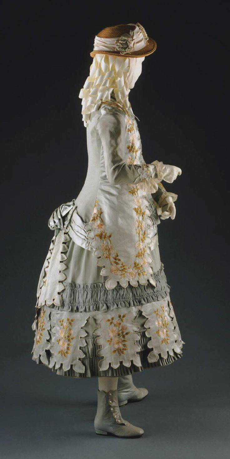 Child's dress circa 1883. Philadelphia Museum of Art