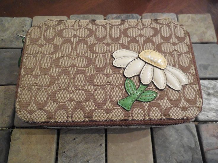 B COACH TAN SIGNATURE FABRIC ZIPPER CLOSE JEWELRY BOX TRAVEL CASE DAISY  #Coach