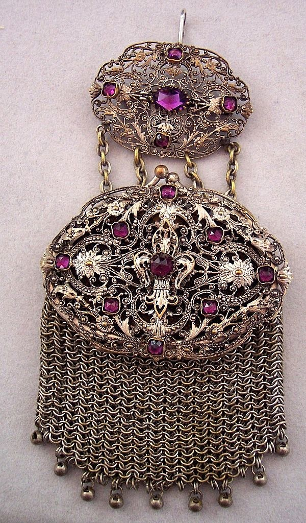 Wow, this is so lovely...I want....Victorian chatelaine purse: