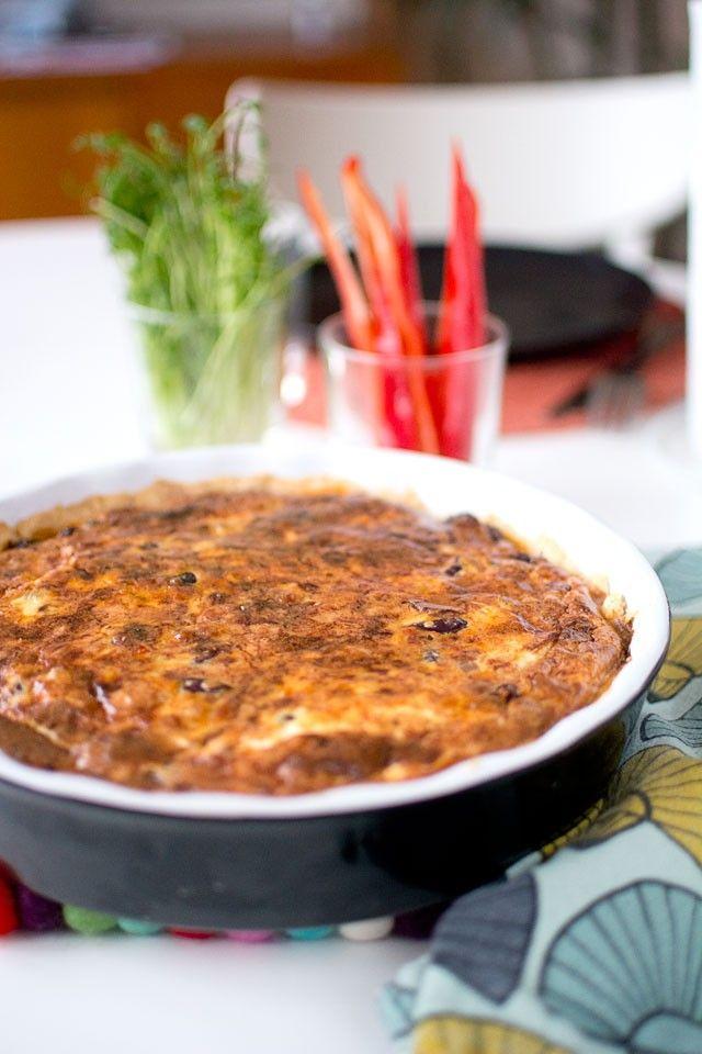 Vegetarisk paj med kidneybönor. Kan tillsätta lite mer kryddor nästa gång, typ 1½ tsk timjan, salt och peppar tex. Annars god!