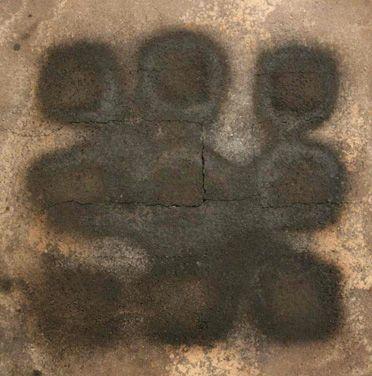 Matrice 2009 Stele cm61x61  Ceramica- Mix di terre raccolte in toscana e refrattari.  Cottura effettuata a cielo aperto.  By Giovanni Maffucci