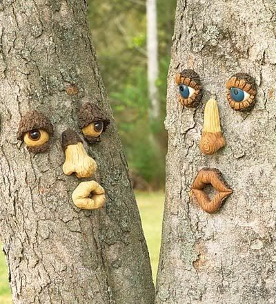 make faces on trees in the garden (via adalin.mospsy.ru) in russian but plenty of pictures