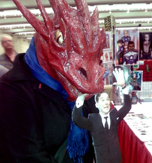 @JenCappelli's Cosplay as Smauglock Holmes nomming on Cumberbomb at FanExpo Canada Toronto 2014! --- Sherlock Benedict Cumberbatch