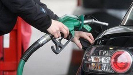 Petrol price in biggest fall since 2008, says AA