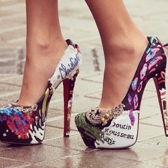 If only I cud wear heels again!! This matches almost everything I have!