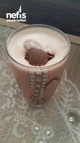 Karamel Soslu Çikolatalı Milkshake