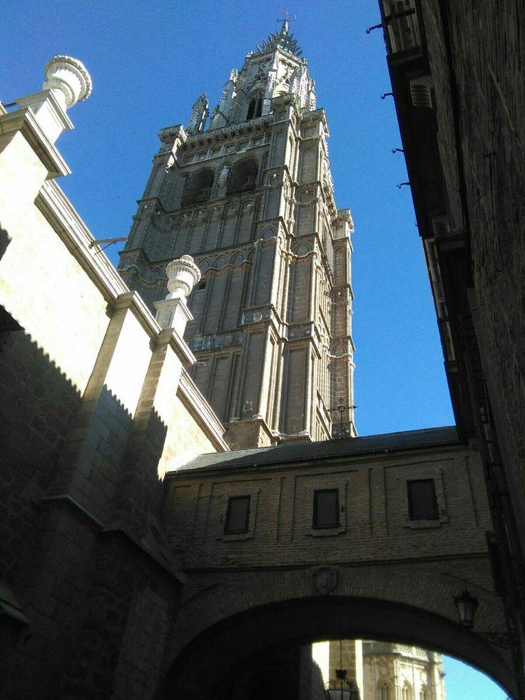 Catedral, torre y pasaje del arzobispo