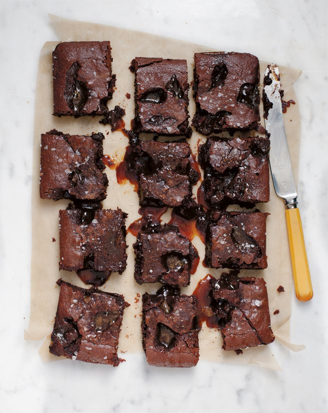 Salted Caramel Crack brownies // Anna Jones vegetarian cookbook Jamie Oliver | Food