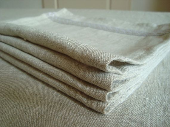 Puur linnen tafelkleed met 4 servetten in een mooie naturelle kleur. Decoratie voor Pasen. op Etsy, 46,00 €