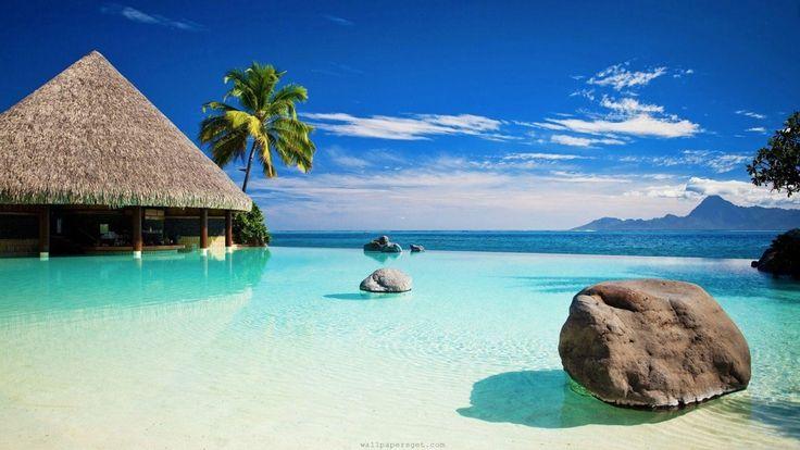 """Bora Bora egy sziget Francia Polinéziában. Nevének jelentése tahitiül """"elsőszülött"""", mivel a legendák szerint az első szigetek között volt, amely kiemelkedett a vízből, és sokáig női uralom alatt állt.  """"Kb.   #Bora Bora #cápa nézés #Francia Polinézia #jet-ski #rája nézés #sziklamászás #Tahiti"""