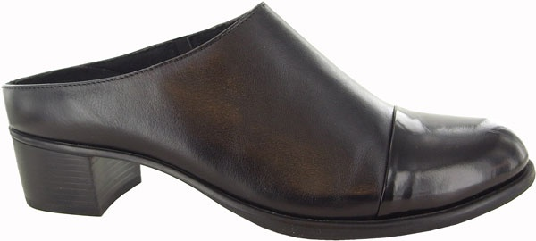 Carroll M310281-523 Black leather with black leather mule.