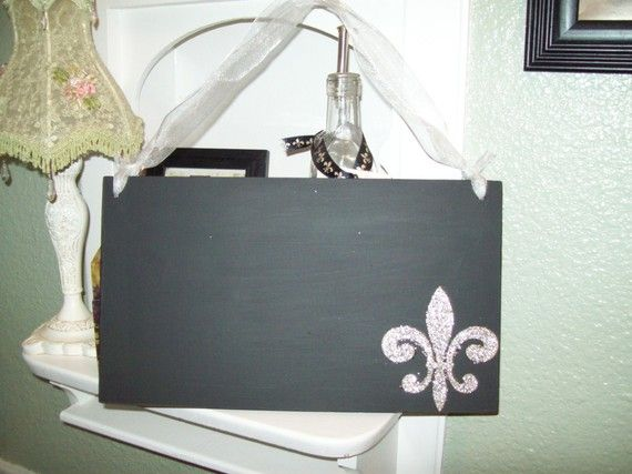 Hey, I found this really awesome Etsy listing at https://www.etsy.com/listing/62371193/french-glittered-fleur-de-lis-chalkboard