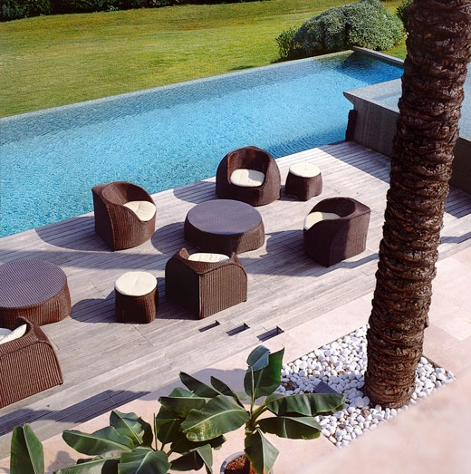 Luxurious Outdoor Rattan Furniture Design from Roberti