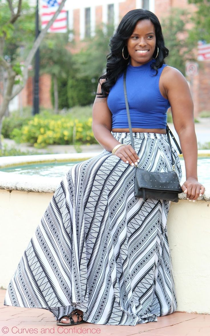 Curves and Confidence | Inspiring Curvy Women One Outfit At A Time: Weekend Wear: Printed Maxi Skirt