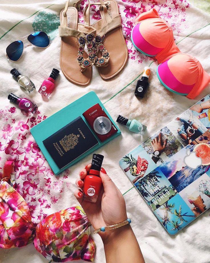 """843 Likes, 41 Comments - Kamélia ❀ (@kameliagill) on Instagram: """"Mes p'tits essentiels pour les vacances ☀️ En amour avec les vernis #MiracleGel de @sallyhansenca 💛…"""""""