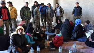 Aleppo Syria battle: UN alarm as 16,000 civilians flee advance - BBC News