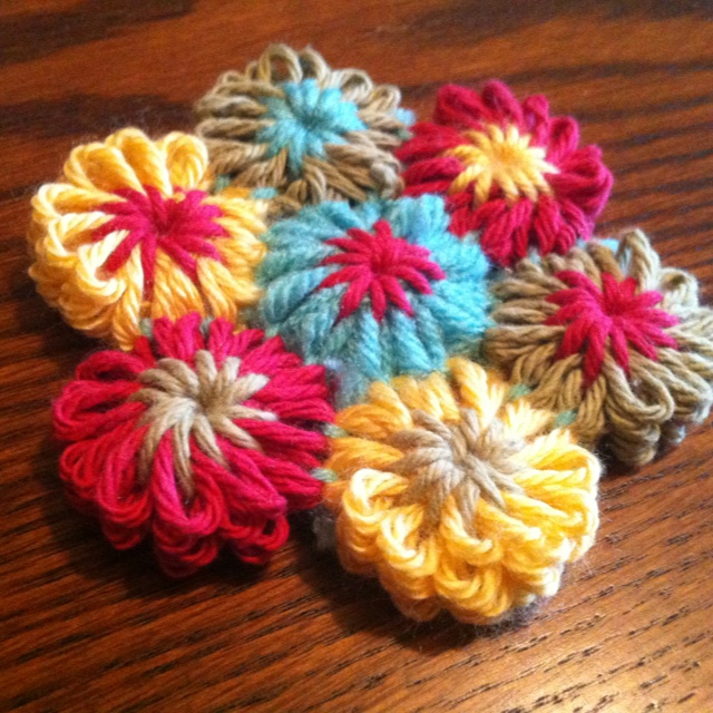 Knitting Flowers On A Loom : Images about flower loom on pinterest