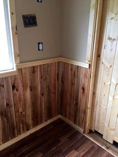 Pallet wall paneling 70 pallet ideas for home decor for Pallet shower wall