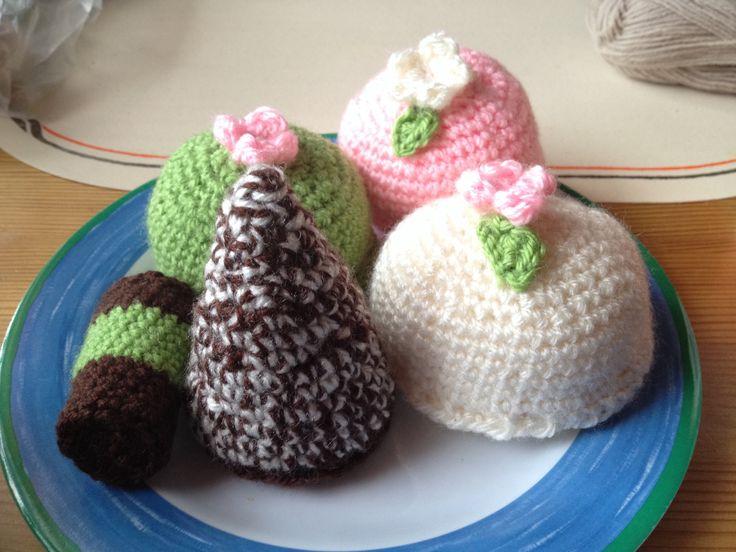 My crochet cakes
