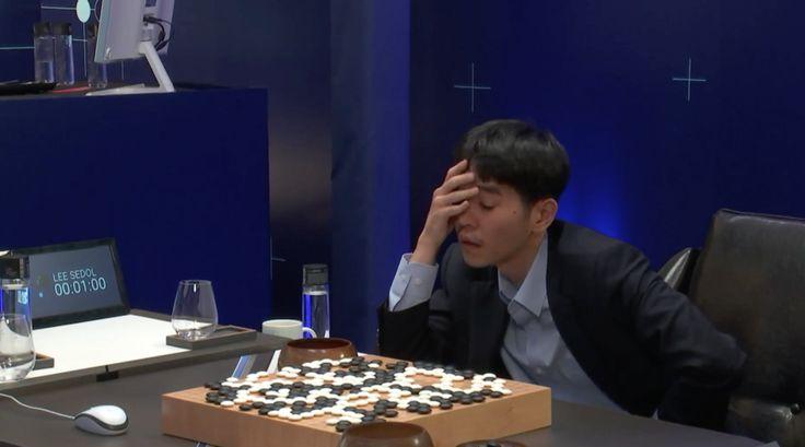 AlphaGo defeats Se-dol