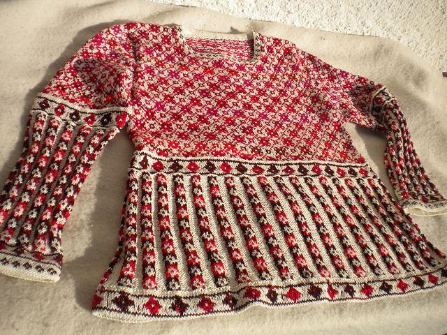Ravelry: runningsusi's top down sweater