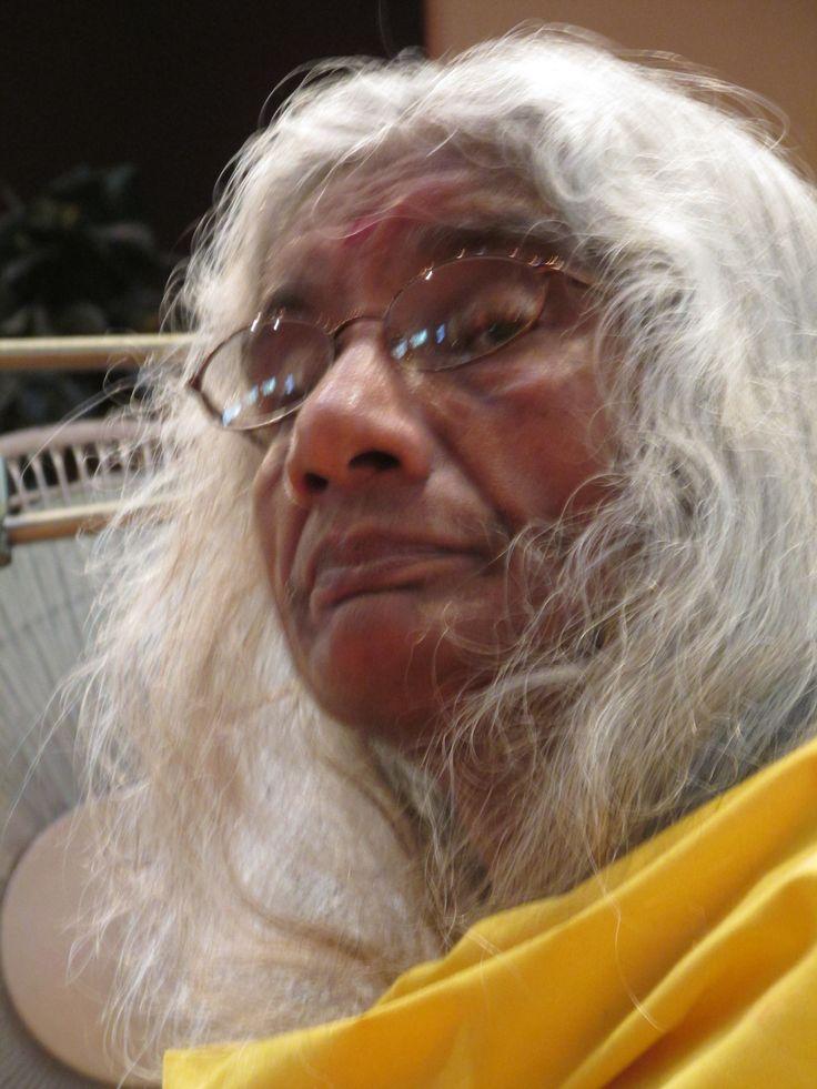 BARA MAA SHARES A STORY ABOUT SHREE MAA: http://www.shreemaa.org/bara-maa-shares-stories-about-shree-maa-1/