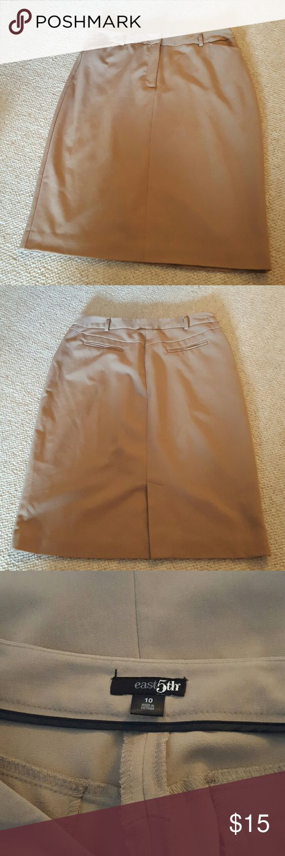 Stretch tan pencil skirt Perfect work to weekend! Front zip with back welt pockets. Stretchy! East 5th Skirts Pencil