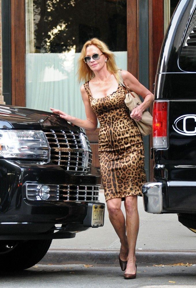 Melanie Griffith - Melanie Griffith and Trudie Styler Get Lunch
