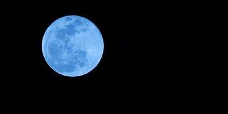 Fenomena bulan biru hiasi langit malam tadi - http://malaysianreview.com/136407/fenomena-bulan-biru-hiasi-langit-malam-tadi/