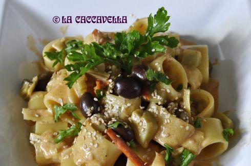 calamarata, pasta, carciofi, olive nere, stracchino, primo veloce, Calamarata con carciofi, olive nere e stracchino, artichokes, olives, sof...