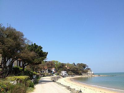 Maison sur la plage des Souzeaux, dans le site classé du Bois de la Chaise - Ile de Noirmoutier   Abritel 12 personnes 2500€ 18 juillet puis 3000€