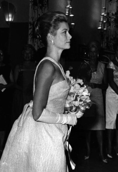 Princess Grace arriving at Red Cross Ball Gala.