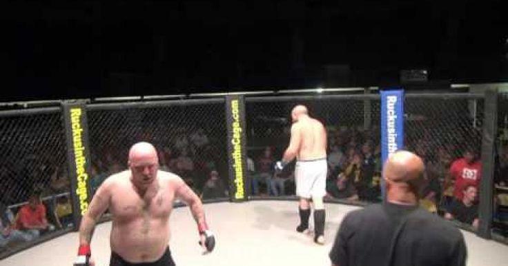 Increible lo que le paso a este peleador de artes marciales mixtas durante una pelea, despues de ver este video pensaras en hacer algunas cosas antes hacer algun deporte.