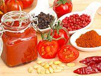 Come fare la conserva di pomodori in casa con metodo a crudo e cotto