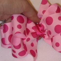 How to Make Hair Bows with Ribbon @Elizabeth Lockhart Frieden this reminded me of you