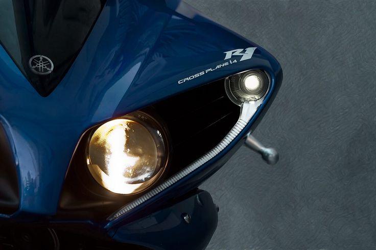 Yamaha R-1