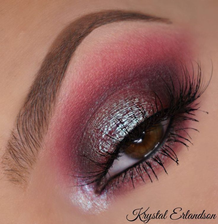 Mars with a Pop of Blue by Krystal Erlandson. Makeup Geek Blush in Infatuation. Makeup Geek Eyeshadow in Aphrodite, Beaches and Cream, and Mars. Makeup Geek Duochrome Pigment in Insomnia. Makeup Geek Foiled Pigment in Pegasus.