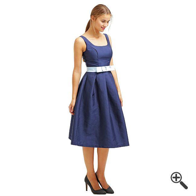 Kleider über Knie länge + 3Festliche Outfits für Valeri: http://www.fancybeast.de/kleider-ueber-knie-laeng-festliche-outfits/ #Cocktailkleider #Kleider #Outfit #Dress #Fashion #Mode Kleider über Knie