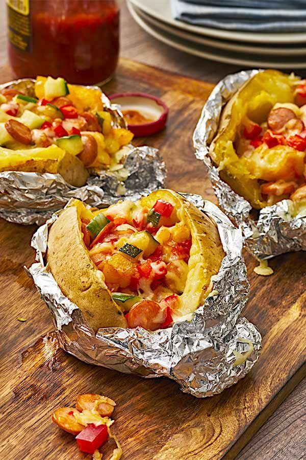 Probiere die gefüllten Ofenkartoffeln mit einer leckeren Füllung aus Gemüse u